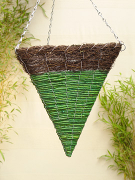 Brushwood+and+Green+Maize+Triangular+Cone+Shaped+Hanging+Basket+